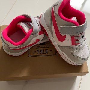 Brand new Nike Morgan sneaker. Size 5c